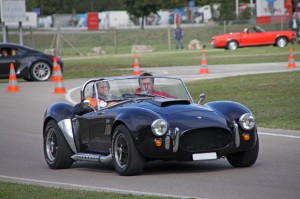 ac-shelby-cobra-replica-3