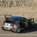 2013-Hyundai-Veloster-Turbo-4