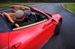 Chris Harris s'amuse en Ferrari 458 Spider