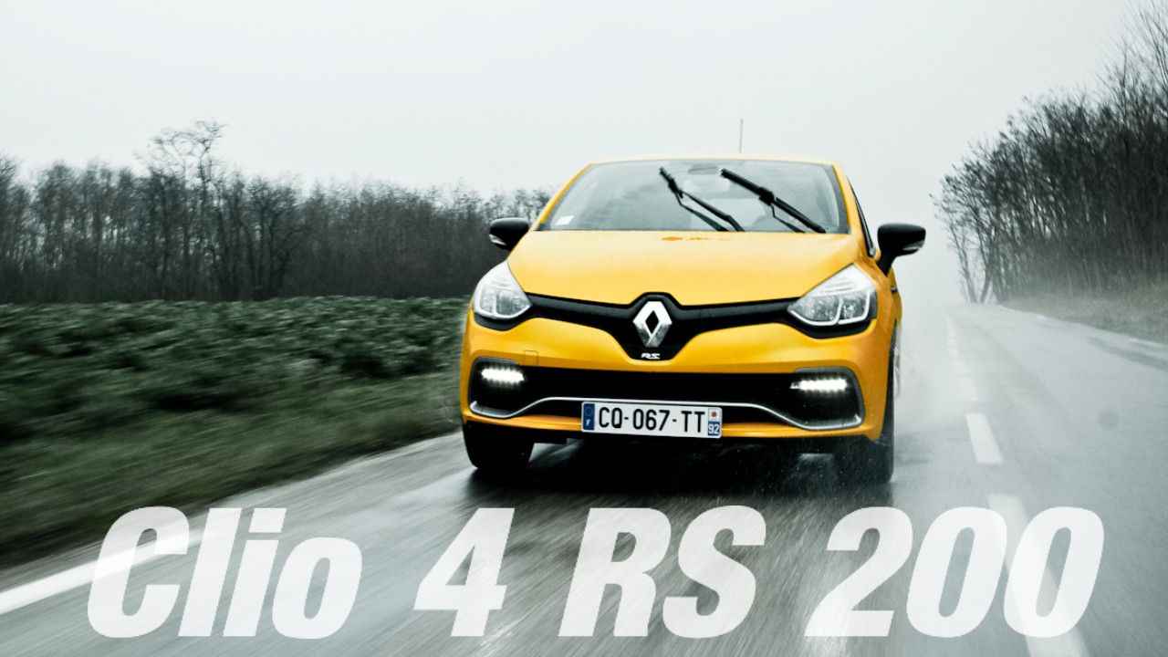 essai video renault clio 4 rs 200 plan te. Black Bedroom Furniture Sets. Home Design Ideas