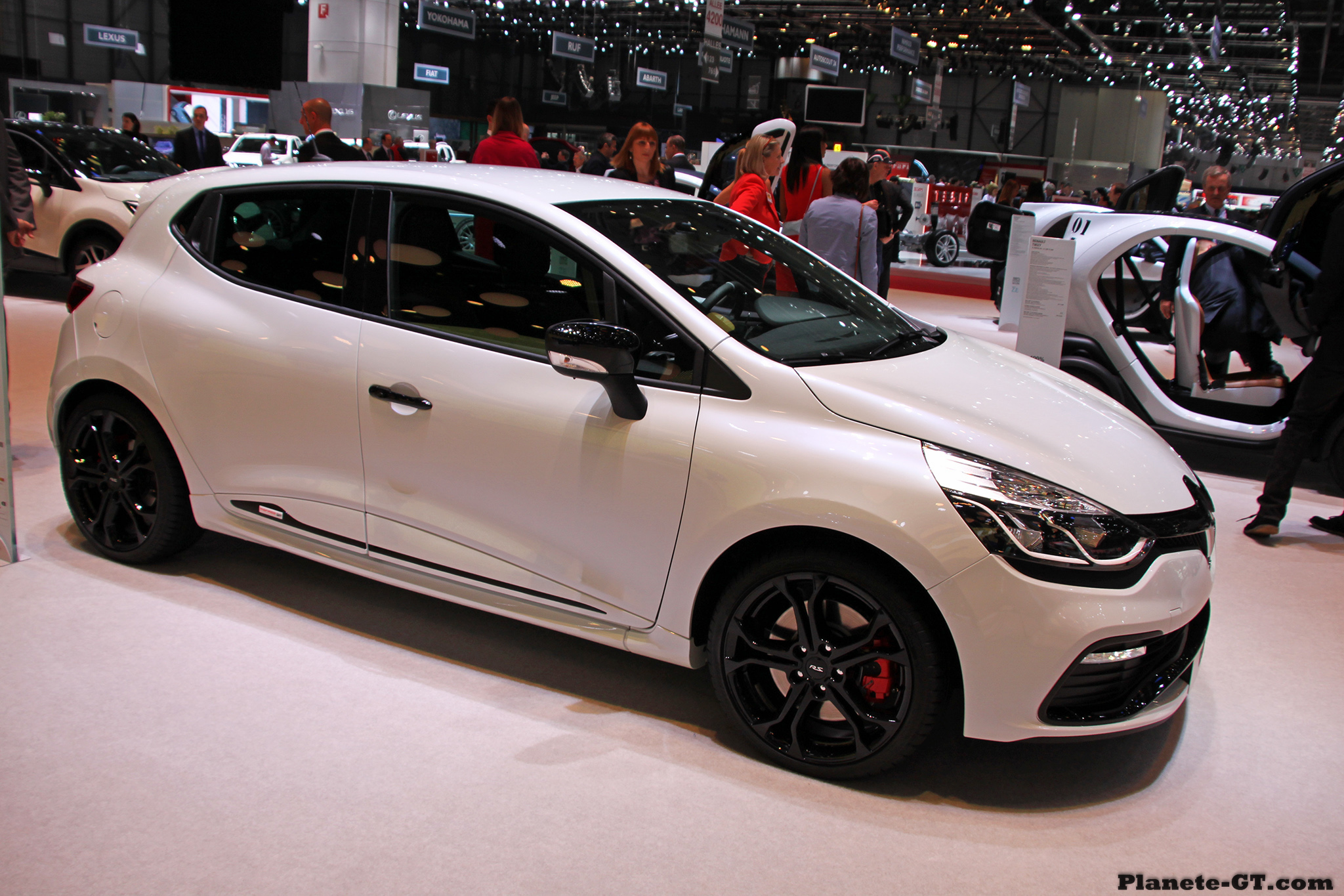 Gen 232 Ve 2014 La Renault Clio 4 Rs Monaco Gp En Images