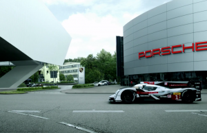 video-24h-mans-audi-porsche-wlecome-back