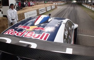 video-goodwood-loeb-peugeot-208-t16-pikes-peak