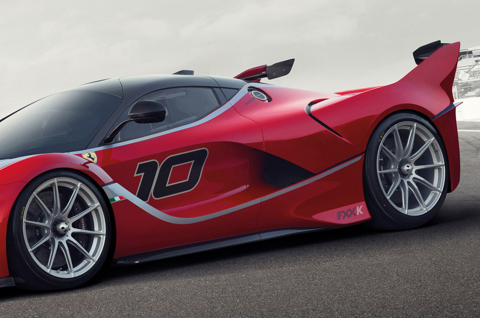ferrari pr sente laferrari fxx k de 1050ch plan te. Black Bedroom Furniture Sets. Home Design Ideas