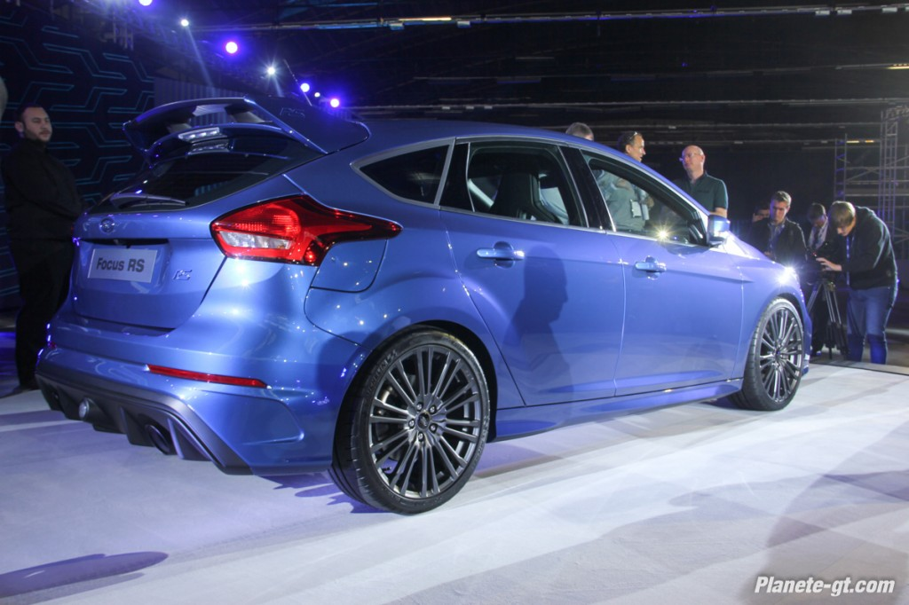 pr sentation vid o de la nouvelle ford focus rs. Black Bedroom Furniture Sets. Home Design Ideas