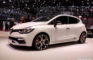 clio-rs-220-trophy-photos-live-geneve