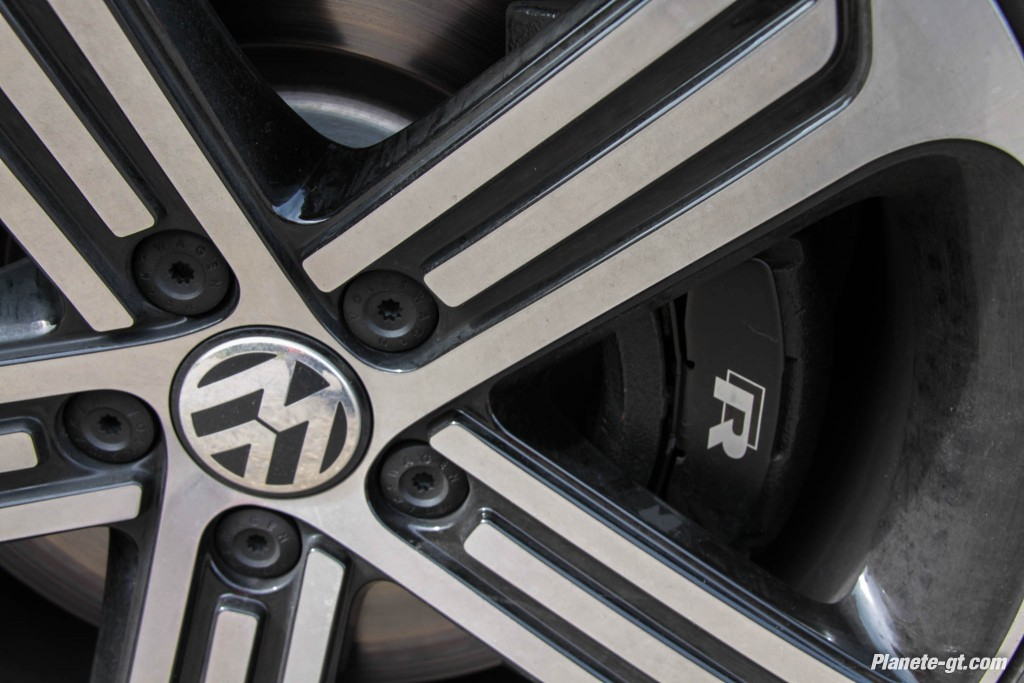 VW-Scirocco-R-2015-Restylage-Facelift-21