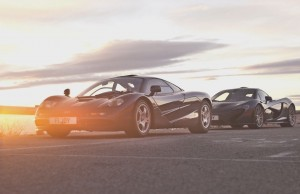 video-mclaren-f1-vs-mclaren-p1-evo (1)