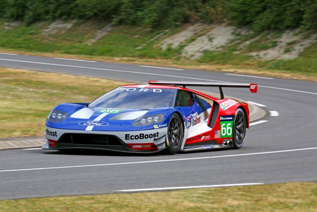 Ford-GT-LM-GTE-Pro-2016-13