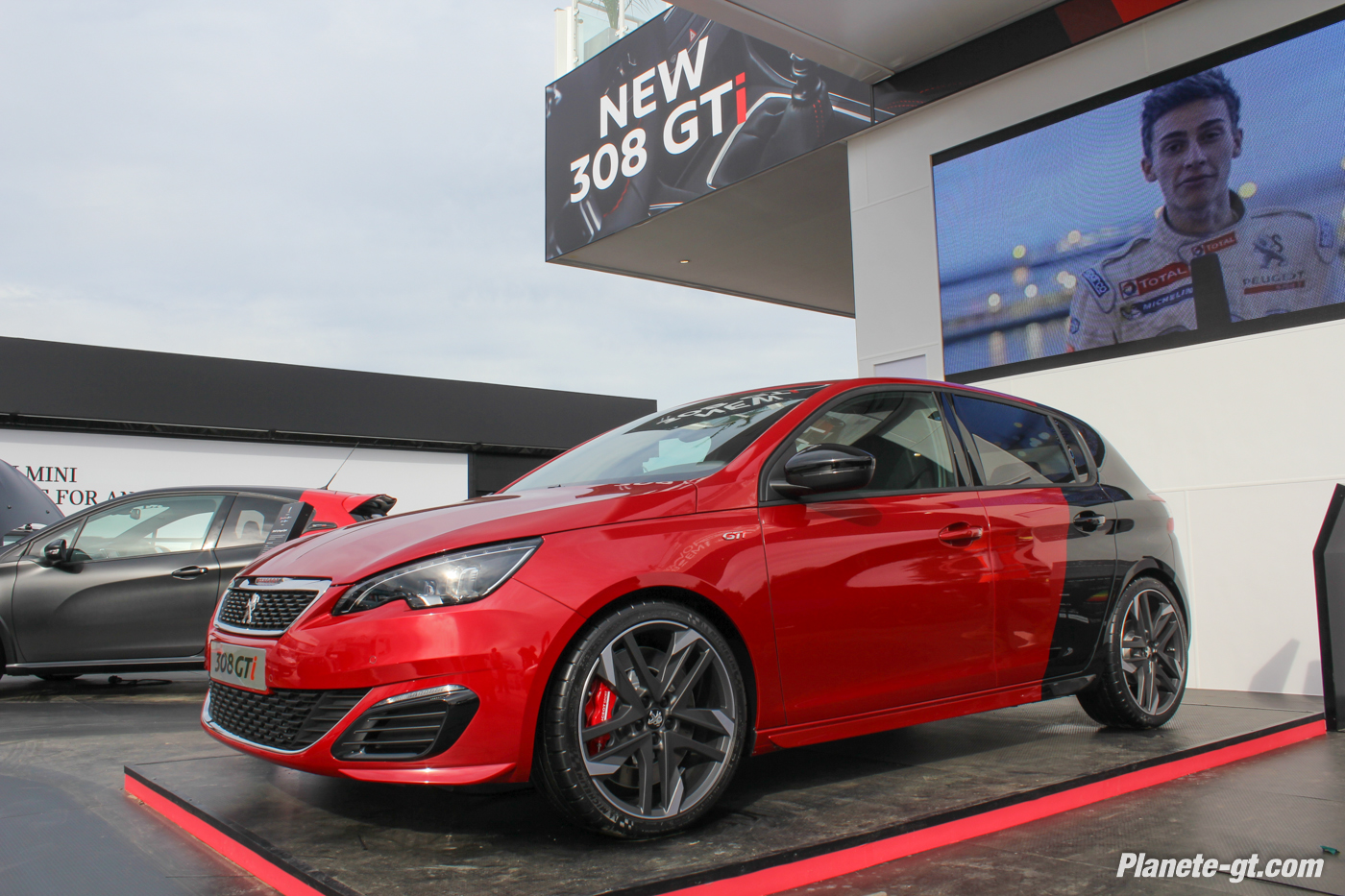 peugeot 308 gti nos photos en live de goodwood plan te. Black Bedroom Furniture Sets. Home Design Ideas