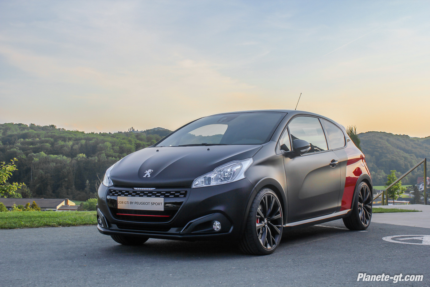 essai vid o nouvelle peugeot 208 208 gtline plan te. Black Bedroom Furniture Sets. Home Design Ideas