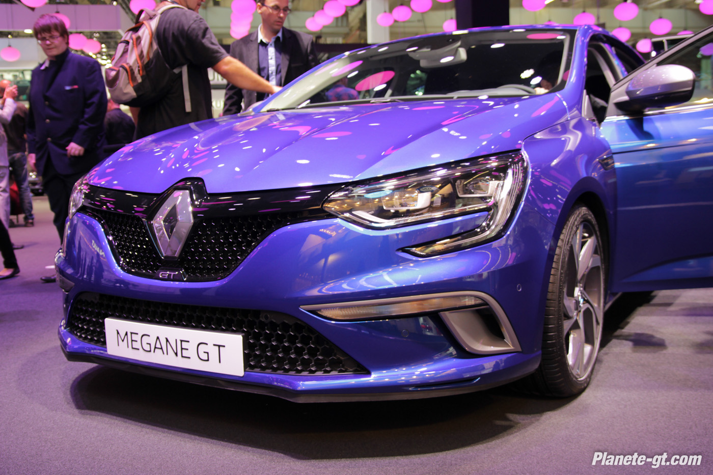 pr sentation vid o nouvelle renault megane 4 gt. Black Bedroom Furniture Sets. Home Design Ideas