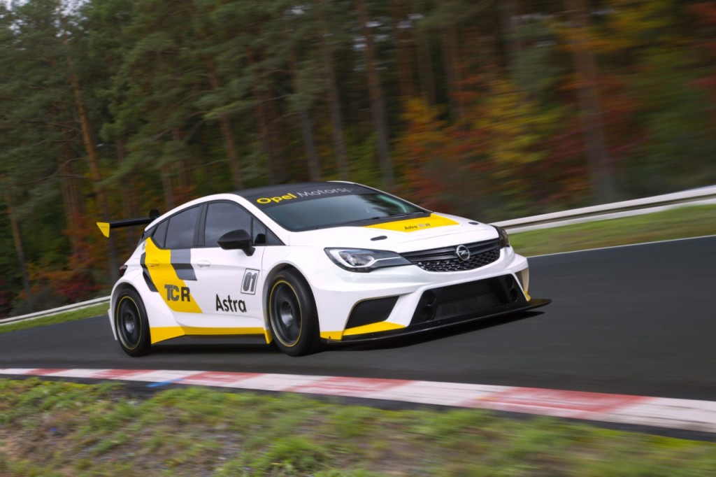 opel-astra-tcr-touring-car (2)