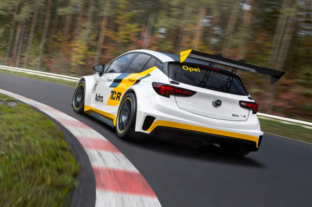 opel-astra-tcr-touring-car (5)
