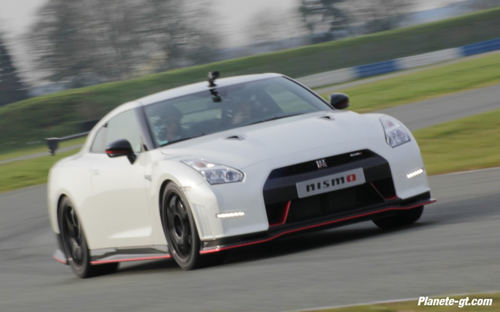 essai-video-nissan-gtr-nismo-circuit-600-ch (29)