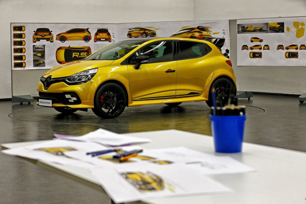Renault-Clio-RS-RS16-06