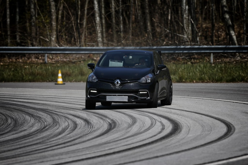 Renault-Clio-RS-RS16-08