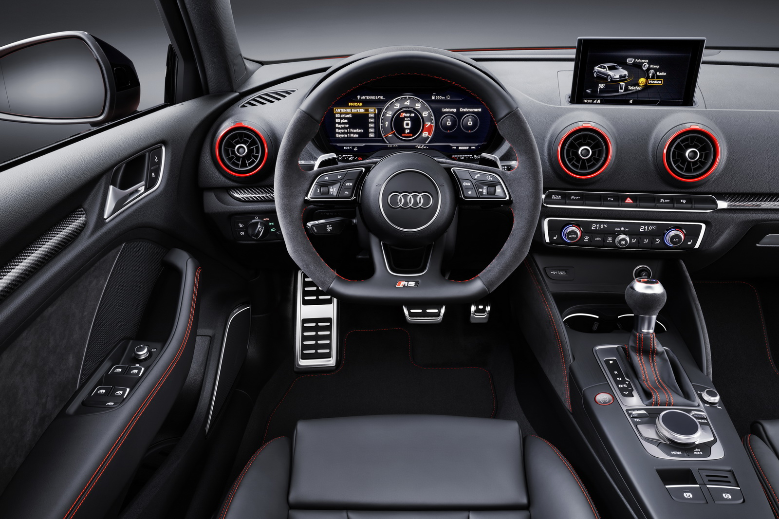 audi rs3 sedan la tueuse de cla 45 amg plan te. Black Bedroom Furniture Sets. Home Design Ideas