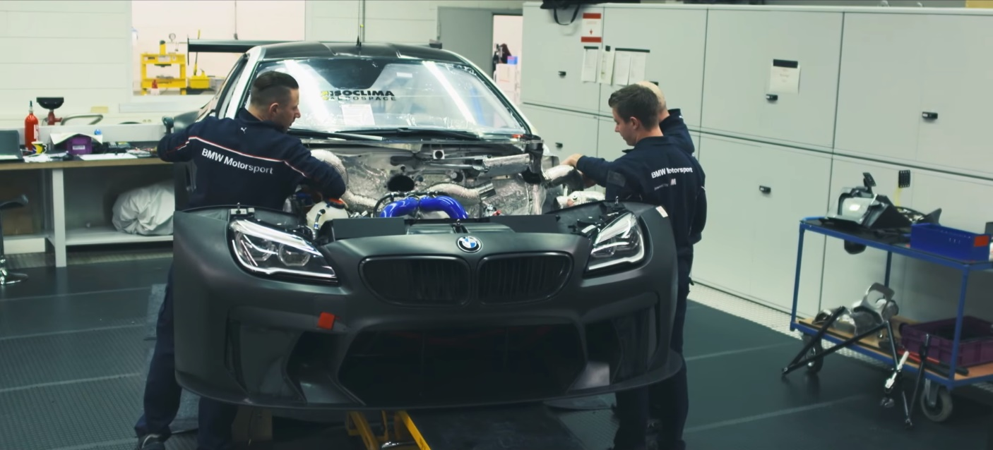 made-from-reality-24h-nurburgring-video-gran-turismo (5)