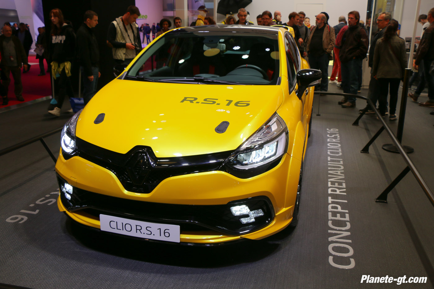 presentation-video-clio-rs16-renault-sport (1)