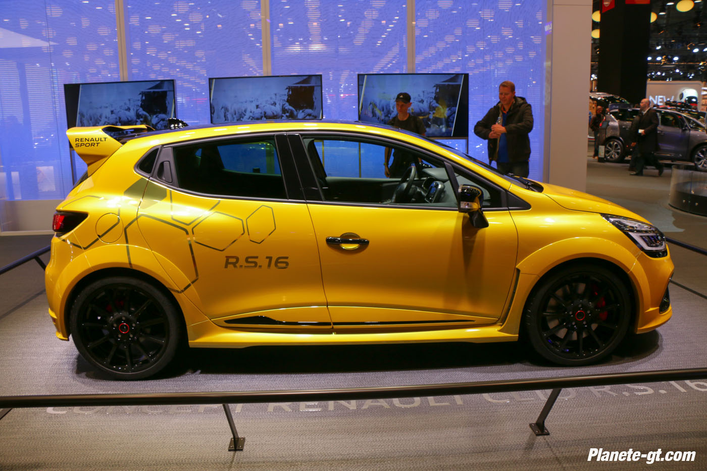 presentation-video-clio-rs16-renault-sport (12)