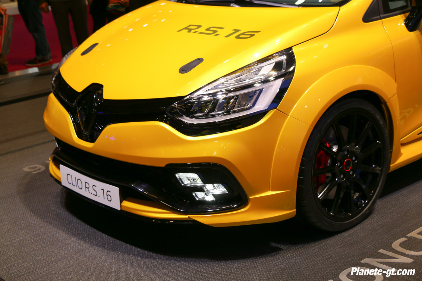 presentation-video-clio-rs16-renault-sport (3)