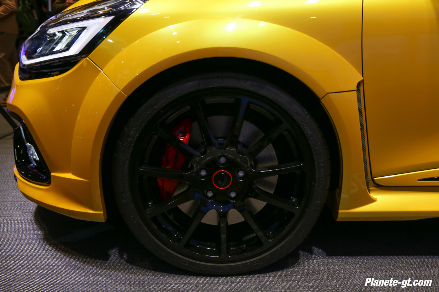presentation-video-clio-rs16-renault-sport (4)