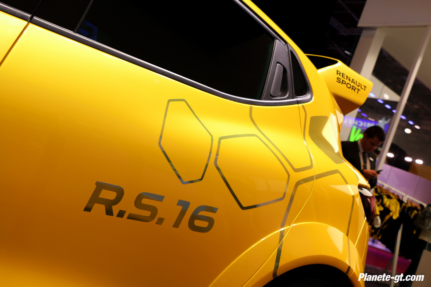 presentation-video-clio-rs16-renault-sport (5)