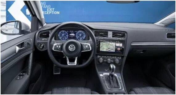 Volkswagen golf 7 2017 le facelift en avance plan te for Interieur golf 7