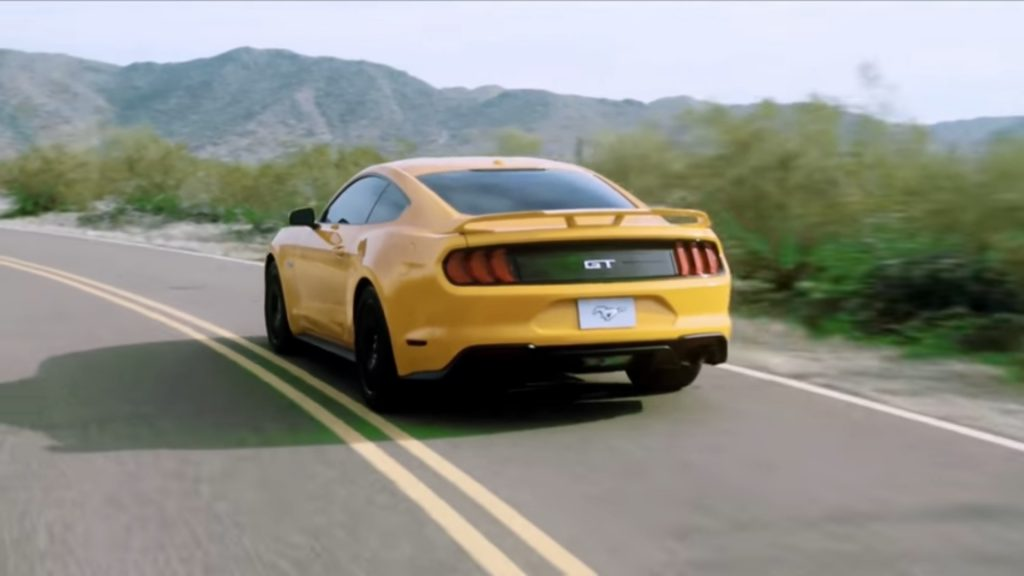 ford-mustang-2017-gt-v8-leak-video-3-1