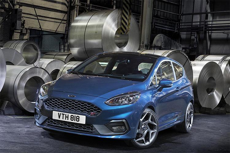 ford fiesta st 2017 premi res infos avec un peu d avance plan te. Black Bedroom Furniture Sets. Home Design Ideas