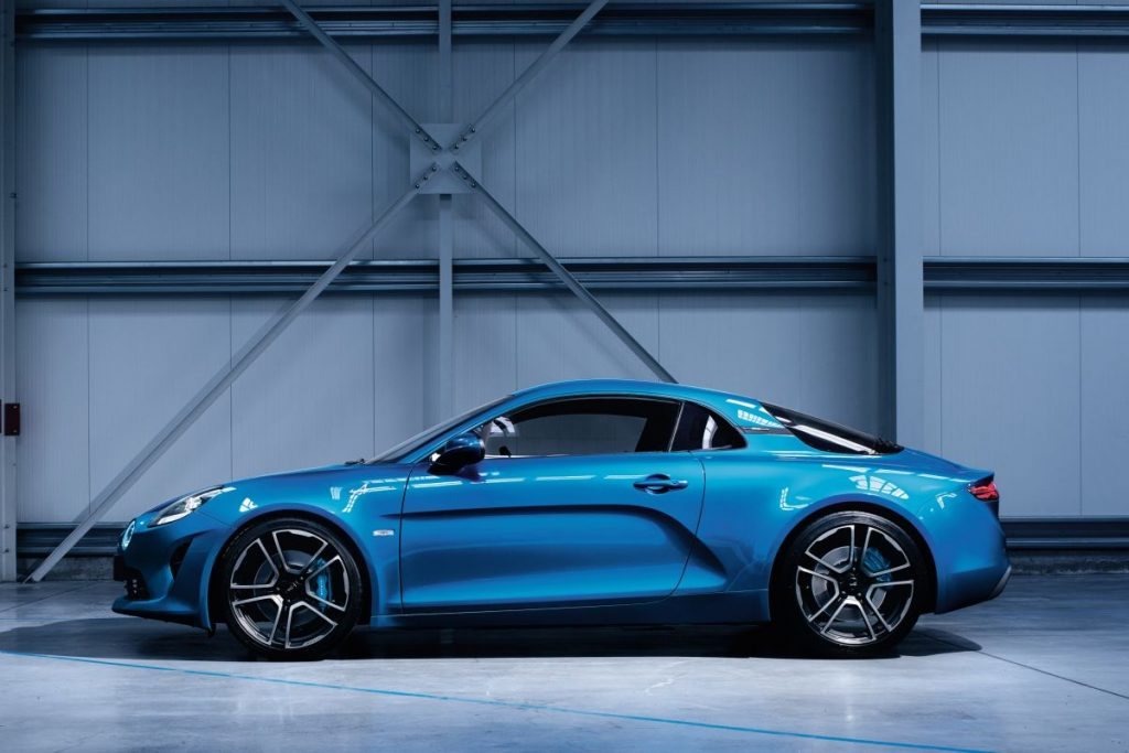 Alpine a110 les premi res photos officielles plan te for Interieur alpine a110