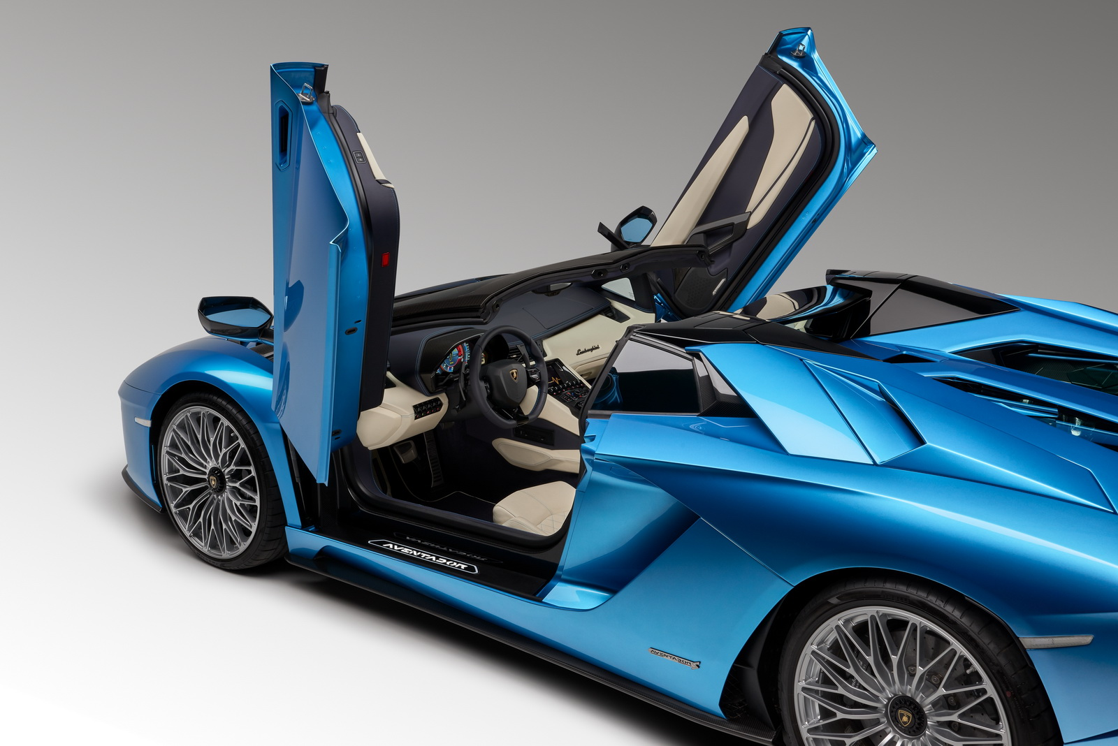 lamborghini aventador s roadster plan te. Black Bedroom Furniture Sets. Home Design Ideas